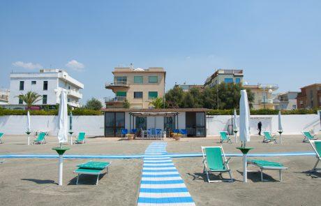 Spiaggia Domus Aurea Scauri 05